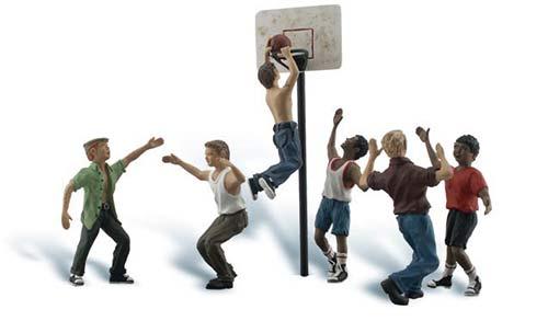 1:50 Jugendliche beim Basketball-Spiel  | günstig bestellen bei Modelleisenbahn Center  MCS Vertriebs GmbH
