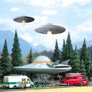 UFO - Fliegende Untertasse, 150mm Durchmesser - Busch Bausatz mit Lichteffekten | günstig bestellen bei Modelleisenbahn Center  MCS Vertriebs GmbH