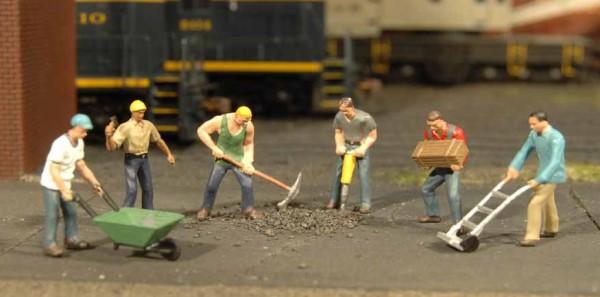 1:50 Arbeiter mit Werkzeug - Bachmann 33155  | günstig bestellen bei Modelleisenbahn Center  MCS Vertriebs GmbH