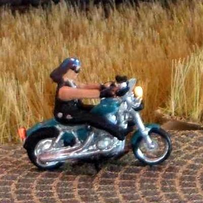 1:160 Motorrad Hell Andido Rocker auf US-Bike  - Noch Figur beleuchtet by Bicyc-LED | günstig bestellen bei Modelleisenbahn Center  MCS Vertriebs GmbH