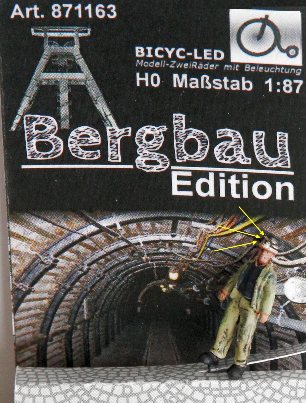 1:87 Bergmann mit Helmlampe stehend, Jacke geöffnet  - Lampe auf dem Helm der Figur beleuchtet by Bicyc-LED | günstig bestellen bei Modelleisenbahn Center  MCS Vertriebs GmbH