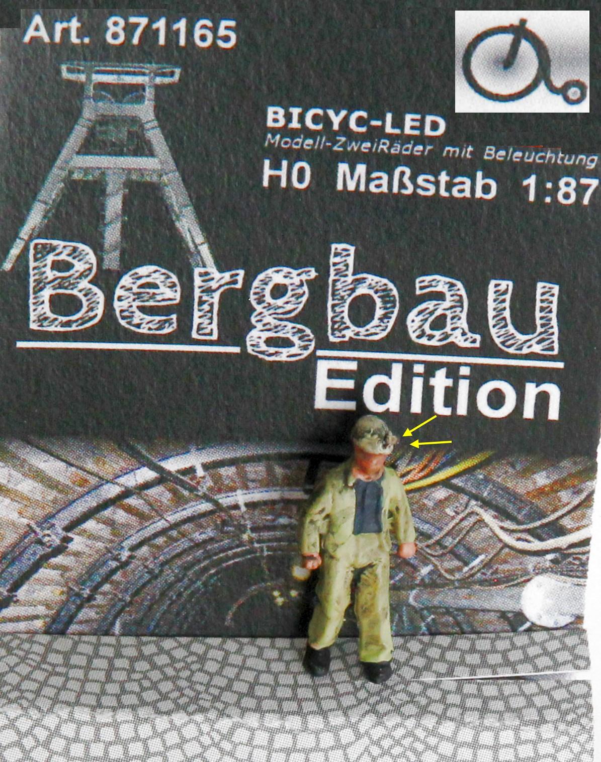 1:87 Bergmann mit Helmlampe gehend, Jacke geöffnet  - Lampe auf dem Helm der Figur beleuchtet by Bicyc-LED | günstig bestellen bei Modelleisenbahn Center  MCS Vertriebs GmbH