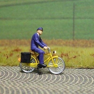 1:87 Radfahrer – Postbote  - Preiser Figur beleuchtet by Bicyc-LED | günstig bestellen bei Modelleisenbahn Center  MCS Vertriebs GmbH