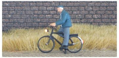 1:87 Radfahrer mit Mantel + Mütze  - Preiser Figur beleuchtet by Bicyc-LED | günstig bestellen bei Modelleisenbahn Center  MCS Vertriebs GmbH