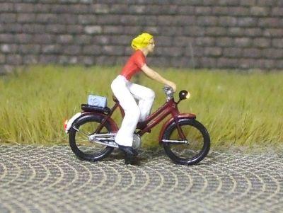 1:87 Radfahrerin mit Bluse und Schlaghose  - Preiser Figur beleuchtet by Bicyc-LED | günstig bestellen bei Modelleisenbahn Center  MCS Vertriebs GmbH