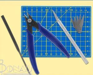 Werkzeugset für den Plastikmodellbau   - ein ideales Geschenk für alle Bastler! | günstig bestellen bei Modelleisenbahn Center  MCS Vertriebs GmbH