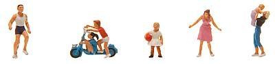 1:87 Junge Familie mit Kindern - Faller 151081  | günstig bestellen bei Modelleisenbahn Center  MCS Vertriebs GmbH
