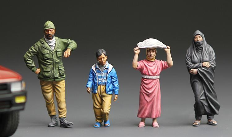 1:35 Naher Osten, Kämpfer, Frau und 2 Kinder - Meng Models  - unbemalte Figuren in Teilen  | günstig bestellen bei Modelleisenbahn Center  MCS Vertriebs GmbH