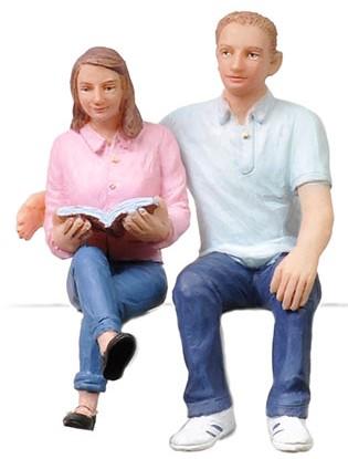 1:22,5 Junges Pärchen – Scenecraft Figures  | günstig bestellen bei Modelleisenbahn Center  MCS Vertriebs GmbH