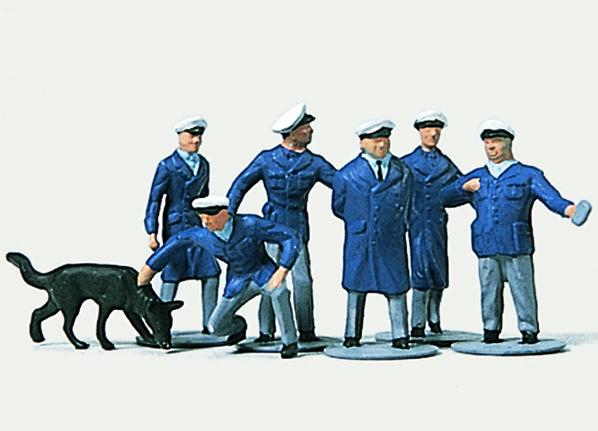1:87 Polizisten (Ordnungspolizei) - Preiser 2246  | günstig bestellen bei Modelleisenbahn Center  MCS Vertriebs GmbH