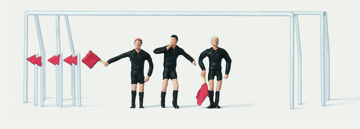 1:87 Fussball Schiedsrichter, Linienrichter + Tore - Merten  | günstig bestellen bei Modelleisenbahn Center  MCS Vertriebs GmbH