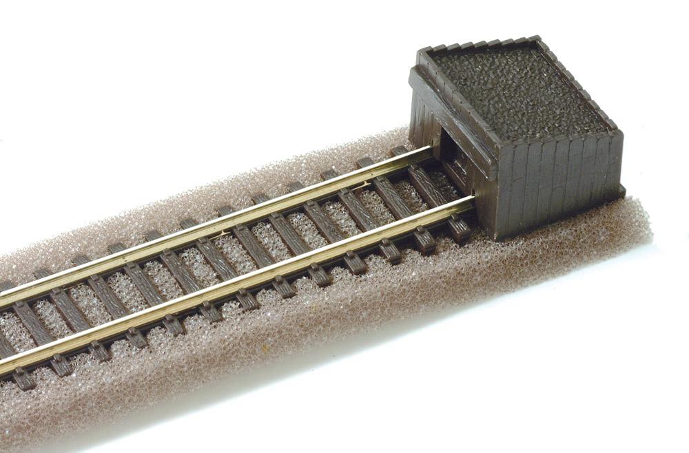 N Code 80 - Holzbohlen-Prellbock, 2 Stück - Peco ST8  | günstig bestellen bei Modelleisenbahn Center  MCS Vertriebs GmbH