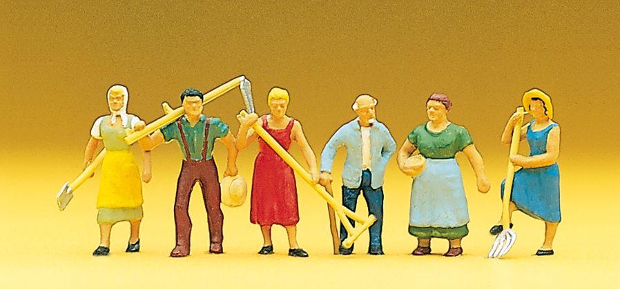 1:87 Feldarbeiter, stehend mit Haken, Sensen u. ä.- Preiser 10040  | günstig bestellen bei Modelleisenbahn Center  MCS Vertriebs GmbH