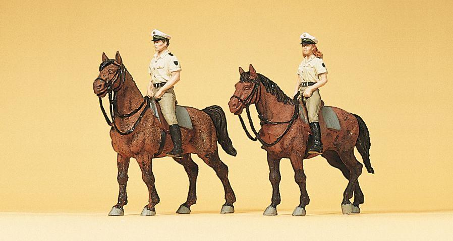 1:87 Polizei zu Pferd in Sommeruniform- Preiser 10389  | günstig bestellen bei Modelleisenbahn Center  MCS Vertriebs GmbH