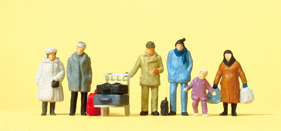 1:87 Reisende in winterlicher Kleidung- Preiser 14038    günstig bestellen bei Modelleisenbahn Center  MCS Vertriebs GmbH