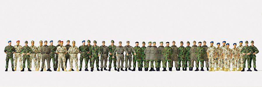 1:87 BW Soldaten Bundeswehr gehend + stehend, unbemalt, 39 St. - Preiser 16543  | günstig bestellen bei Modelleisenbahn Center  MCS Vertriebs GmbH