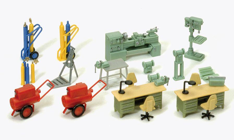 1:87 Einrichtung Werkstatt: Schweissgerät, Maschinen und Schreibtisch, Bausatz - Preiser 17185  | günstig bestellen bei Modelleisenbahn Center  MCS Vertriebs GmbH