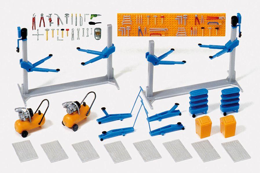 1:87 Einrichtung KFZ-Werkstatt Hebebühne, Kompressoren und zubehör, Bausatz - Preiser 17186  | günstig bestellen bei Modelleisenbahn Center  MCS Vertriebs GmbH