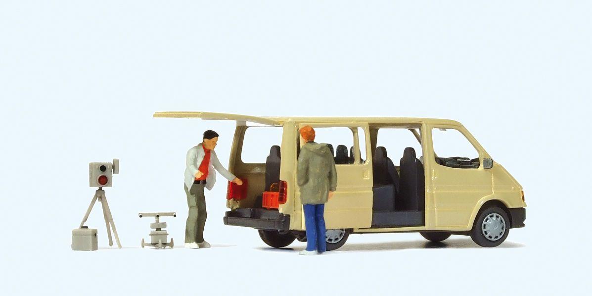 1:87 Polizei Zivile Radarkontrolle Ford Transit und 2 Polizisten - Preiser 33249  | günstig bestellen bei Modelleisenbahn Center  MCS Vertriebs GmbH