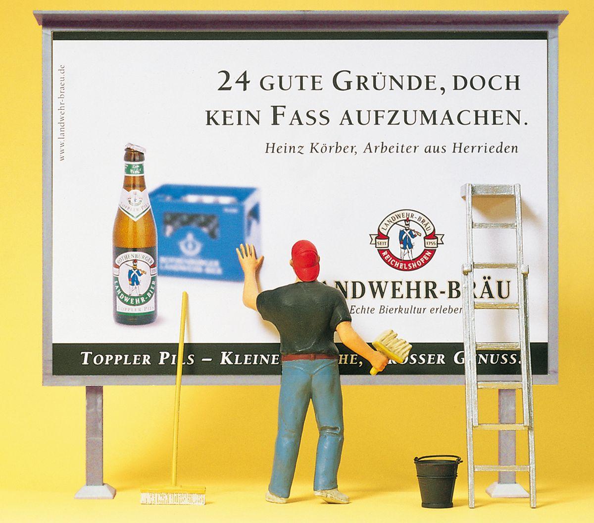1:22,5 Plakatkleber mit Wand - Preiser 45126  | günstig bestellen bei Modelleisenbahn Center  MCS Vertriebs GmbH