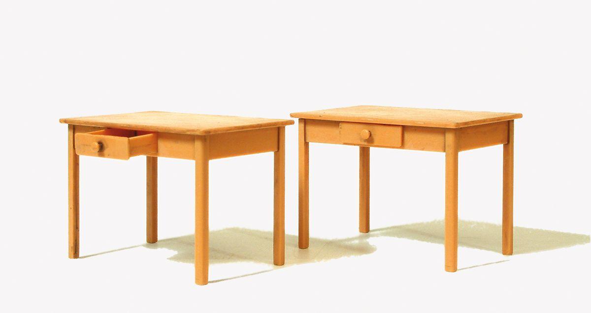 1:22,5 Tisch, Bausatz, 2 St. - Preiser 45220  | günstig bestellen bei Modelleisenbahn Center  MCS Vertriebs GmbH