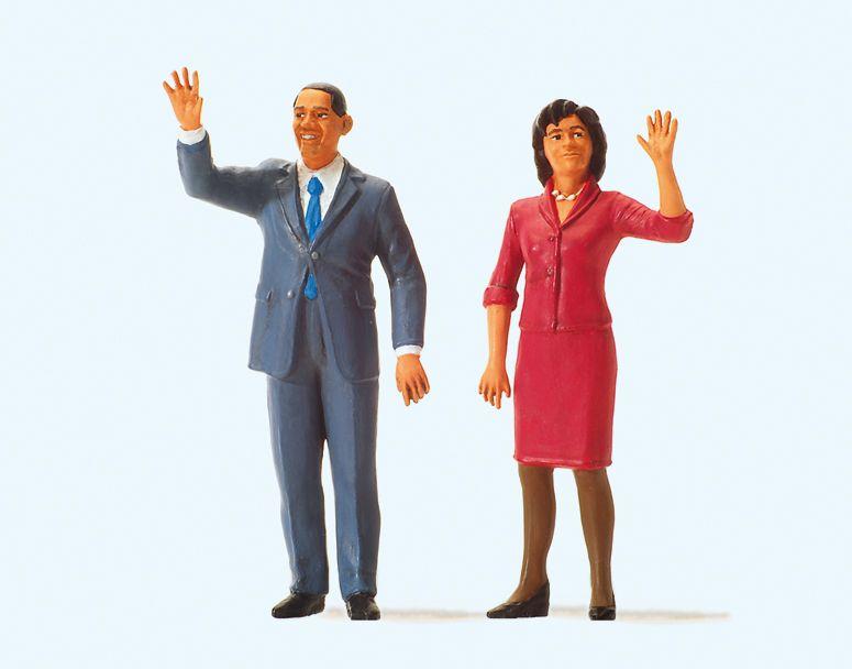 1:24 USA Präsident Obama und First Lady- Preiser 57152  | günstig bestellen bei Modelleisenbahn Center  MCS Vertriebs GmbH