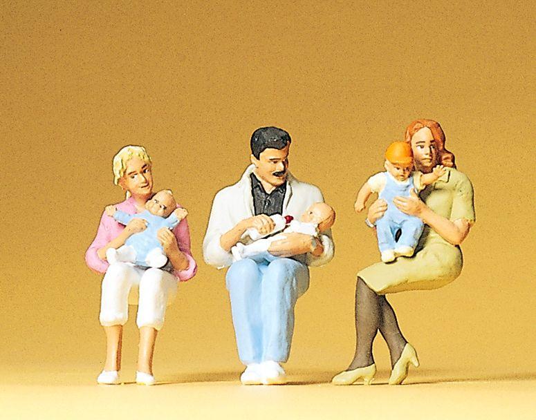 1:32 Eltern und Kinder,sitzend - Preiser 63059  | günstig bestellen bei Modelleisenbahn Center  MCS Vertriebs GmbH