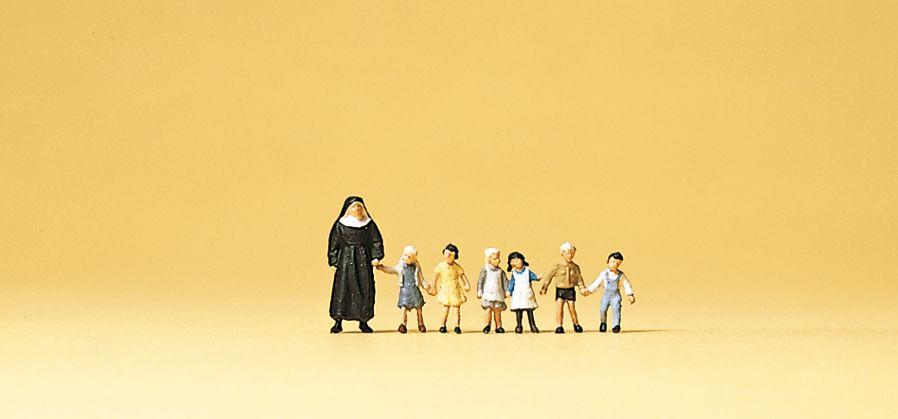 1:160 Nonne mit Kindern - Preiser 79127  | günstig bestellen bei Modelleisenbahn Center  MCS Vertriebs GmbH
