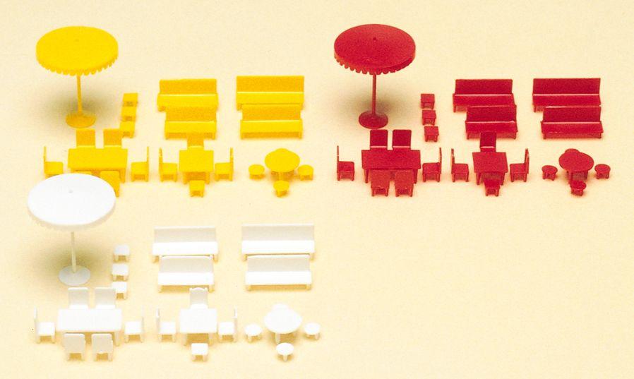 1:160 Tische, Stühle, Schirme, Bausatz- Preiser 79554  | günstig bestellen bei Modelleisenbahn Center  MCS Vertriebs GmbH