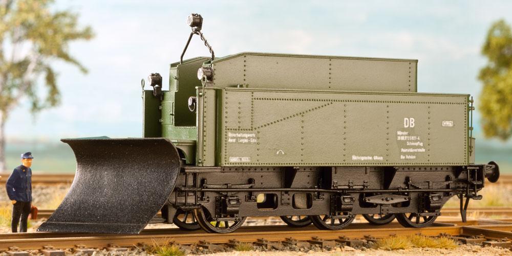DB Schneepflug mit Tender T16,5 - Weinert 4111  - mit RP-25 Radsätzen | günstig bestellen bei Modelleisenbahn Center  MCS Vertriebs GmbH