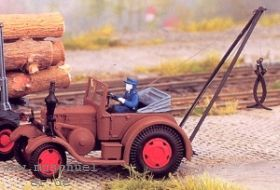 1:87 Lanz Bulldog mit kleinem Kranaufbau zur Holzverladung- Weinert 4521  | günstig bestellen bei Modelleisenbahn Center  MCS Vertriebs GmbH