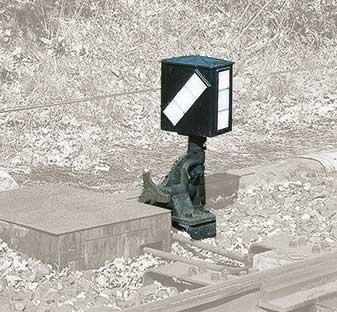 1:87 Weichenlaterne links, direkt ansteuerbar mit Rückstrahlschild - Weinert 7245  - für Peco und Weinert Weichen    günstig bestellen bei Modelleisenbahn Center  MCS Vertriebs GmbH