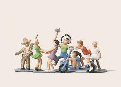 1:87 Spielende Kinder - Merten Art.Nr.546-H02197